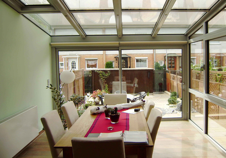 wintergarten als wohnzimmer haus design ideen. Black Bedroom Furniture Sets. Home Design Ideas